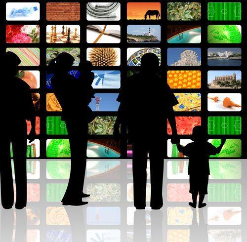 Illustration 1 Réseaux sociaux, Ecommerce, smartphones ...etc : Le suicide social des uns, la lâcheté des autres